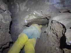 Petzoldovy jeskyně - kopání v plazivce