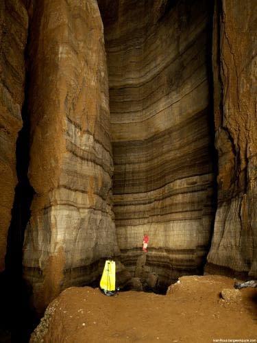 Chladná, surová a krásná, podzemní královna Černé Hory, jeskyně Iron Deep v hloubce 350m. Foto Ivan Rous