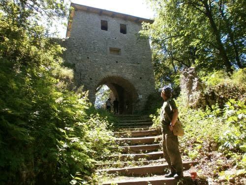 Muráňský hrad, vstupní brána