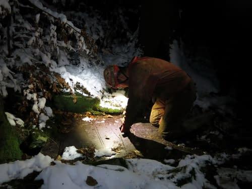 zamykání jeskyně